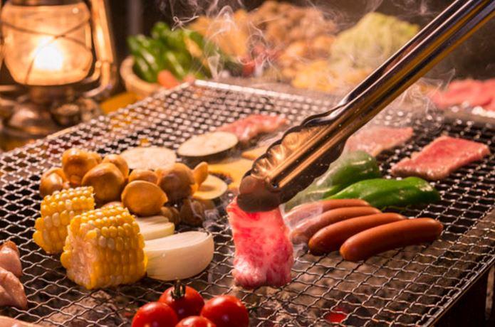 Ăn thịt nướng có béo không? Ăn thịt nướng cần những gì
